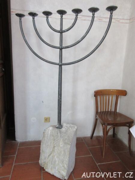Sedmiramenný svícen - Zadní synagoga Třebíč