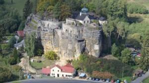 Skalní hrad a poustevna Sloup v Čechách