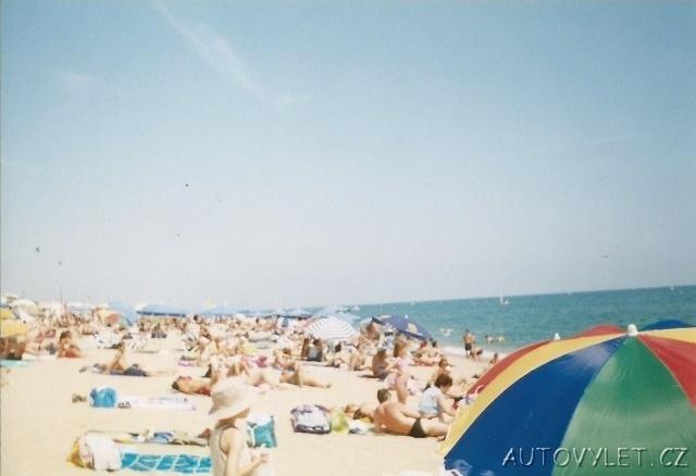 španělsko pláž v calelle 1