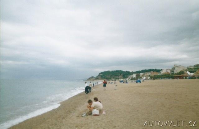 španělsko pláž v calelle 2