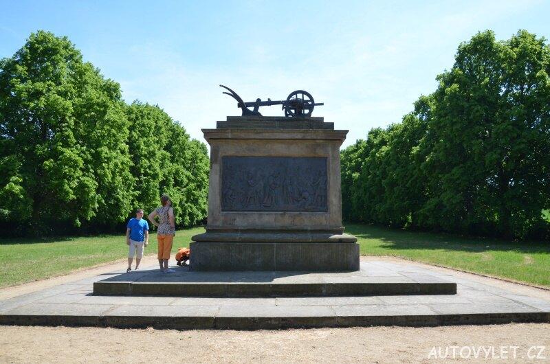 Pomník Přemysla Oráče - Stadice 3