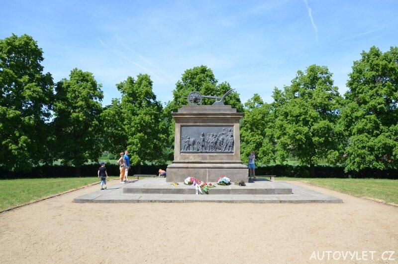 Pomník Přemysla Oráče - Stadice 5