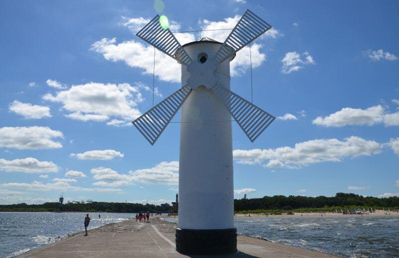 Stawa Mlyny - větrný mlýn Svinoústí Polsko