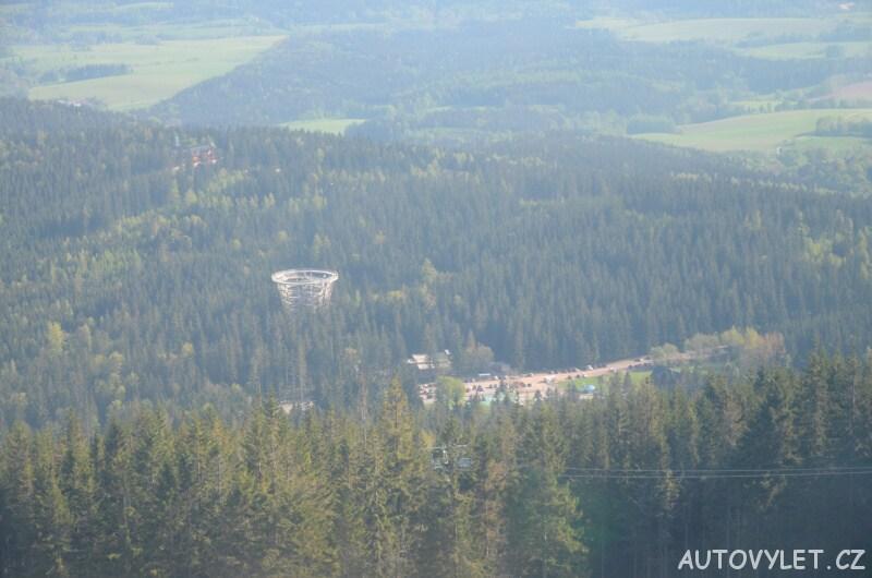 Stezka korunami stromů z lanovky na Černou horu