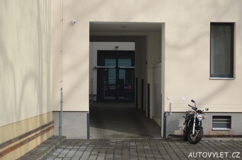 Suite with private parking - levné ubytování v Brně 10
