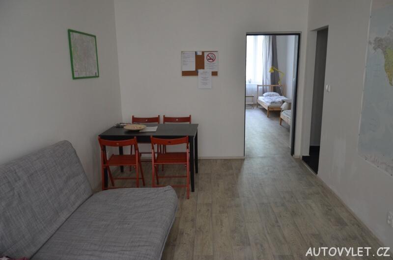 Suite with private parking - levné ubytování v Brně 8