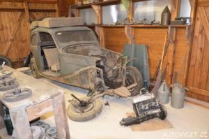 Technické muzeum Brno 10 - starý vrak auta