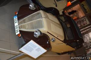 Technické muzeum Brno 13 - staré auto