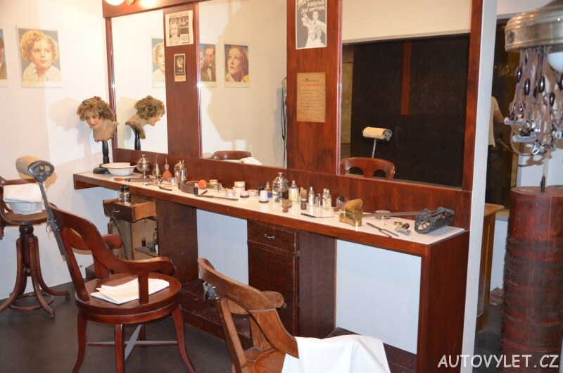 Technické muzeum Brno 17 - dobové kadeřnictví