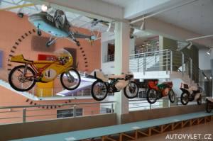 Technické muzeum Brno 9 - motorky ve vzduchu