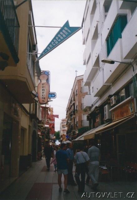ulička v calelle