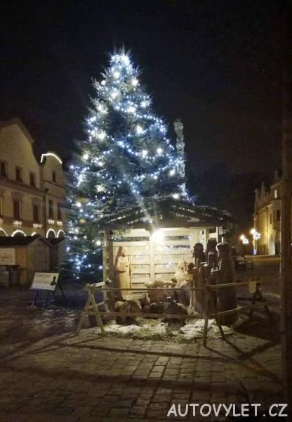 Vánoční strom na náměstí v Třeboni