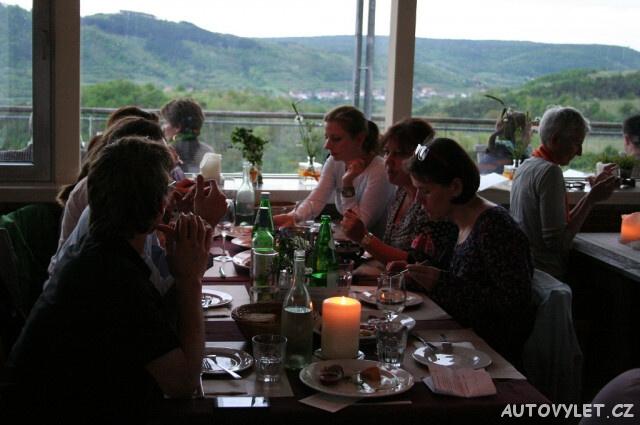 Večeře na vinici nad údolím Kamptal Rakousko